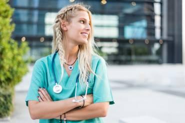 Navigating Mentorships and Internships for Veterinary Students